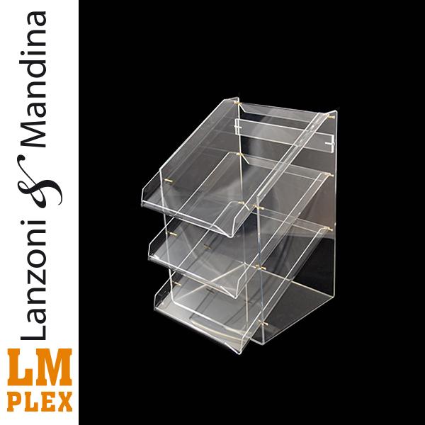 Lanzoni-e-Mandina-lavorazione-costruzione-e-distribuzione-articoli-oggetti-lettere-in-plexiglass-Castelvetrano-porta-depliant-pubblicitari-a4-per-agenzie-negozi-attività-commerciali-3-ripiani